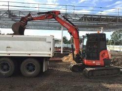 Wade in the 5t Kubota loading out on Hitchinson Builders site - West Ipswich